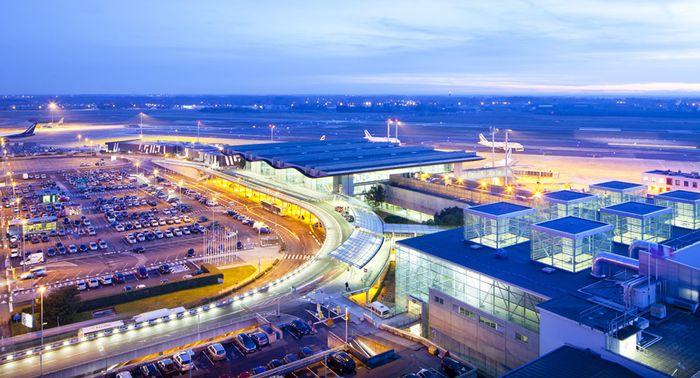 aéroport bordeaux mérignac touristes voyage