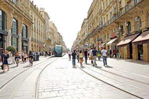 Cours de l'Intendance dans le triangle d'or de Bordeaux
