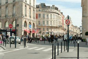 Cours Georges Clémenceau dans le triangle d'or de Bordeaux