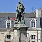 Statue de l'Intendant dans le triangle d'or de Bordeaux